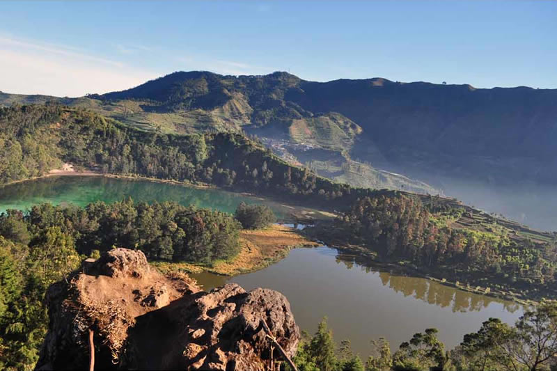 Color Lake Dieng